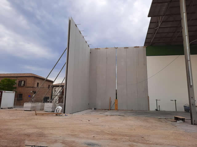 DOBLE MURO PARA EL FRONTÓN DE BARASOAIN (NAVARRA)